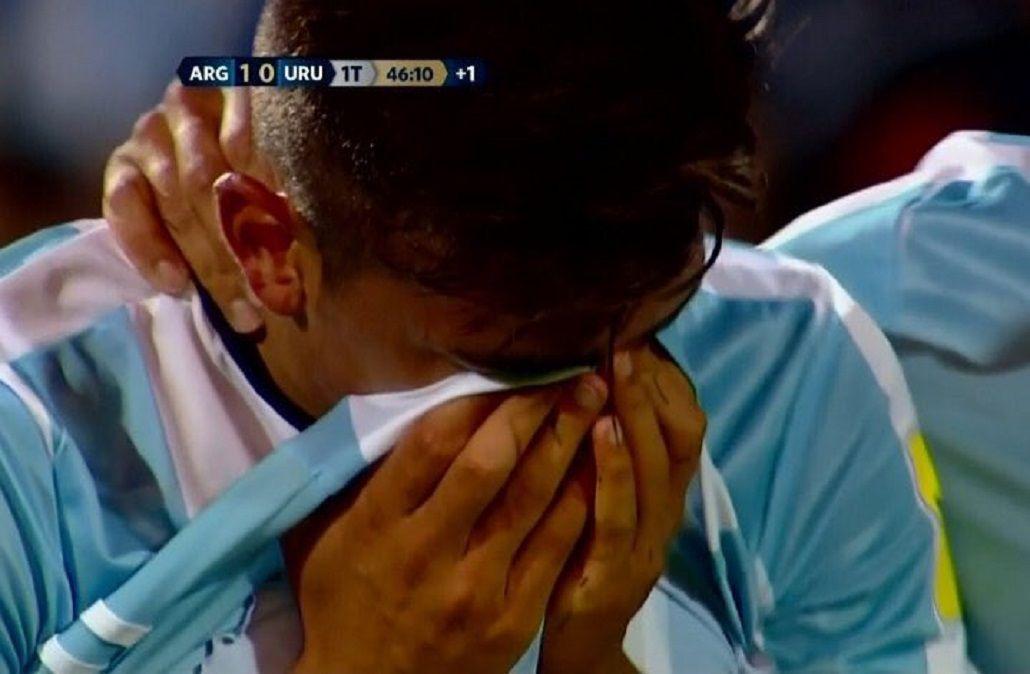 VIDEO: debut como titular en la Selección, expulsión y llanto para Paulo Dybala