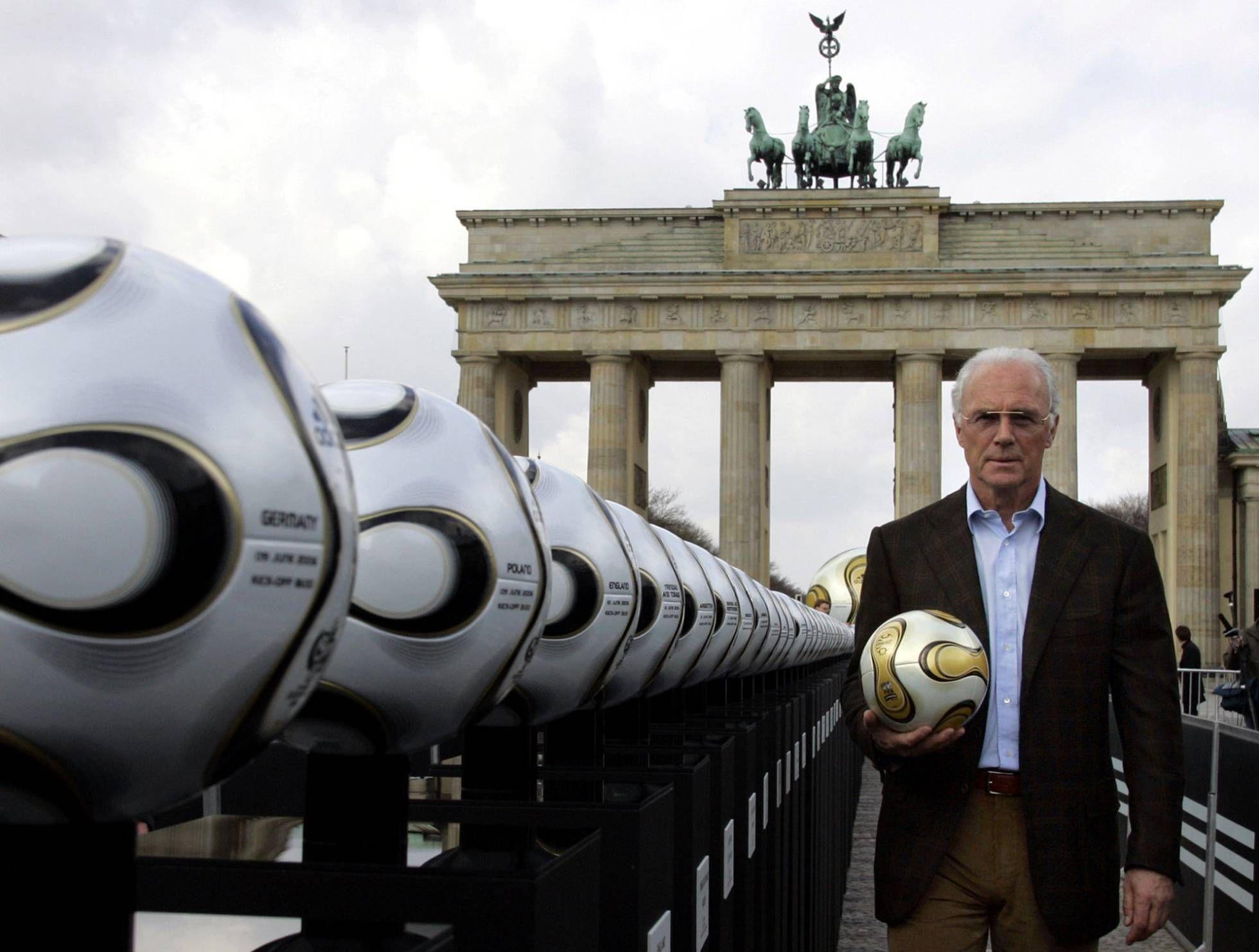 Escándalo en la FIFA: Suiza investiga a Beckenbauer por fraude y lavado de dinero