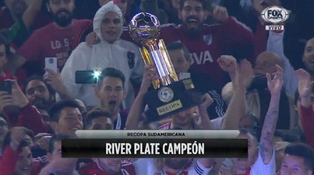 VIDEO: La premiación de River tras ganar una nueva Recopa Sudamericana