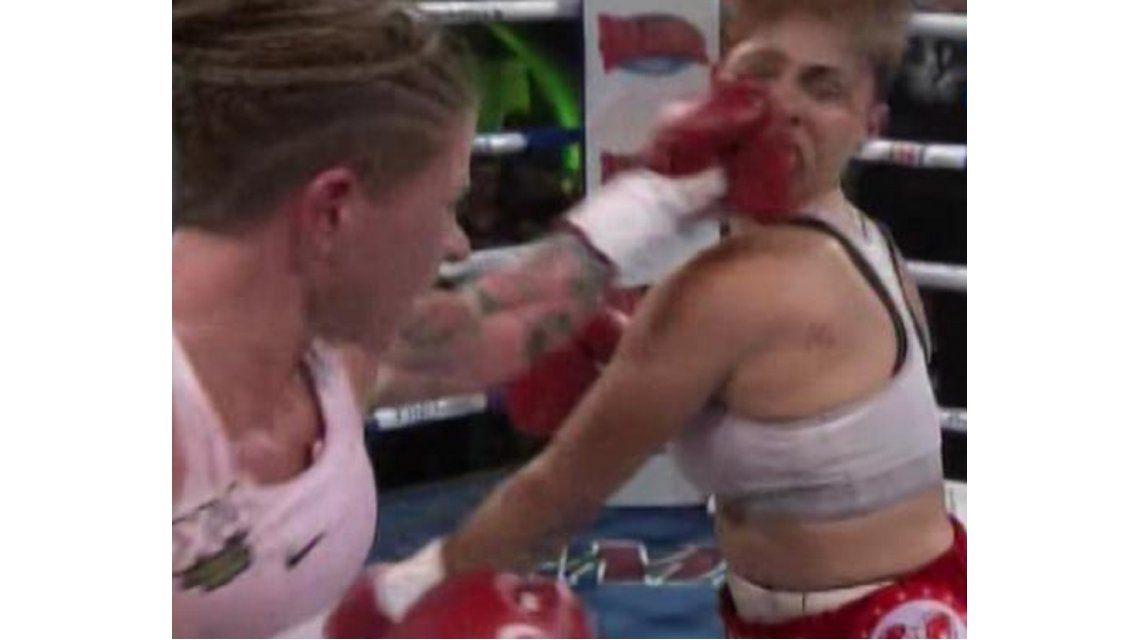 Decime qué se siente: el impresionante golpe de Duer a una boxeadora brasileña