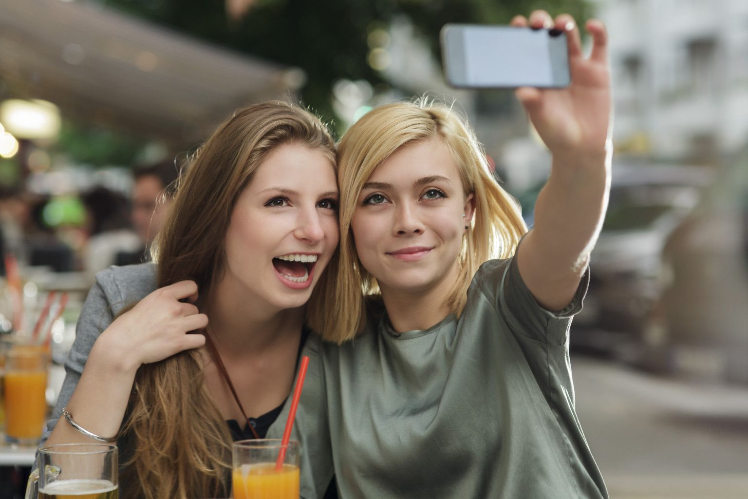 Atención mamás: las selfies aumentan el contagio de piojos entre alumnos