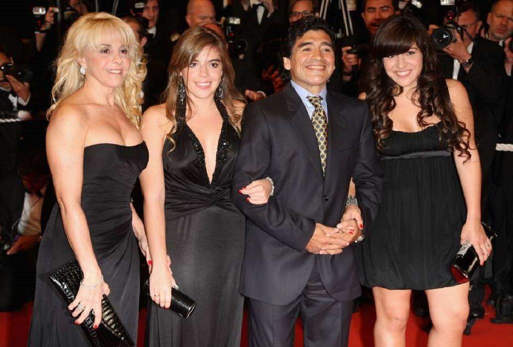 La reacción de Dalma, Gianinna y Claudia, después del encuentro de Maradona y Diego Jr.
