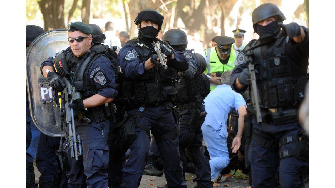 Confirmaron el sobreseimiento de Macri y Vidal por la violenta represión en el Borda