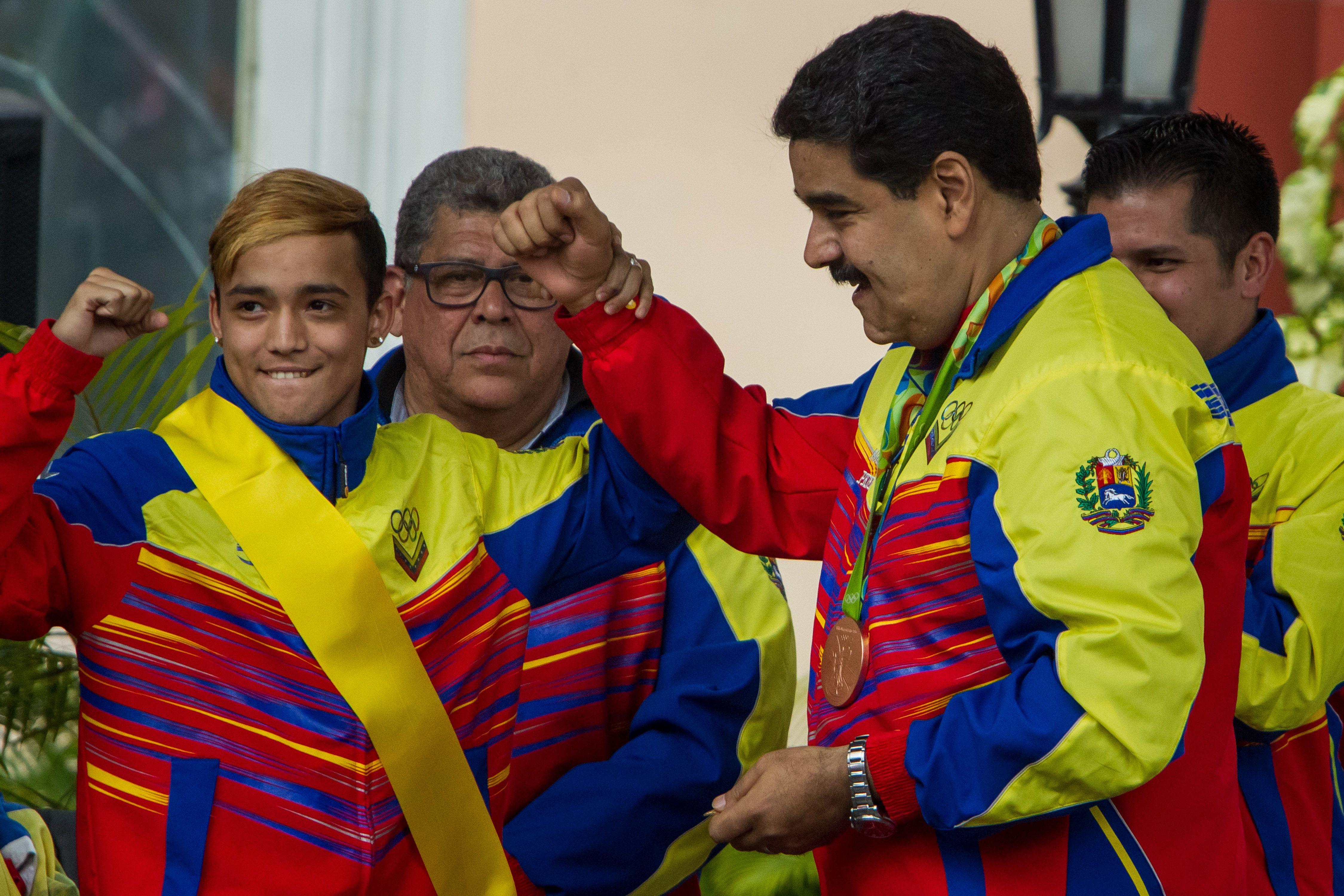 El gobierno de Venezuela le dará una vivienda a cada atleta que participó en Río