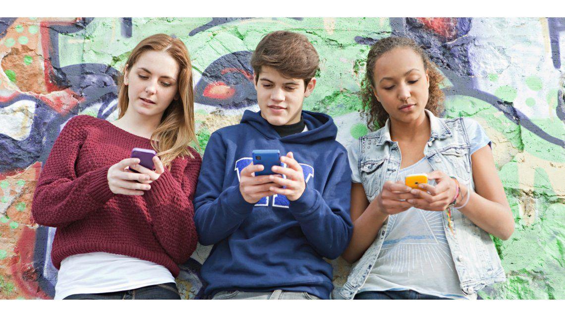 Siete de cada diez adolescentes argentinos están todo el día conectados a internet