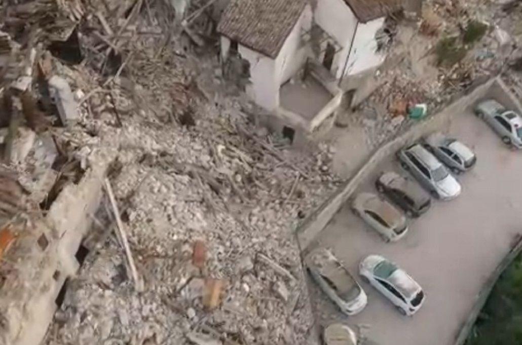 Así se ve desde un drone las consecuencias del devastador terremoto en Italia