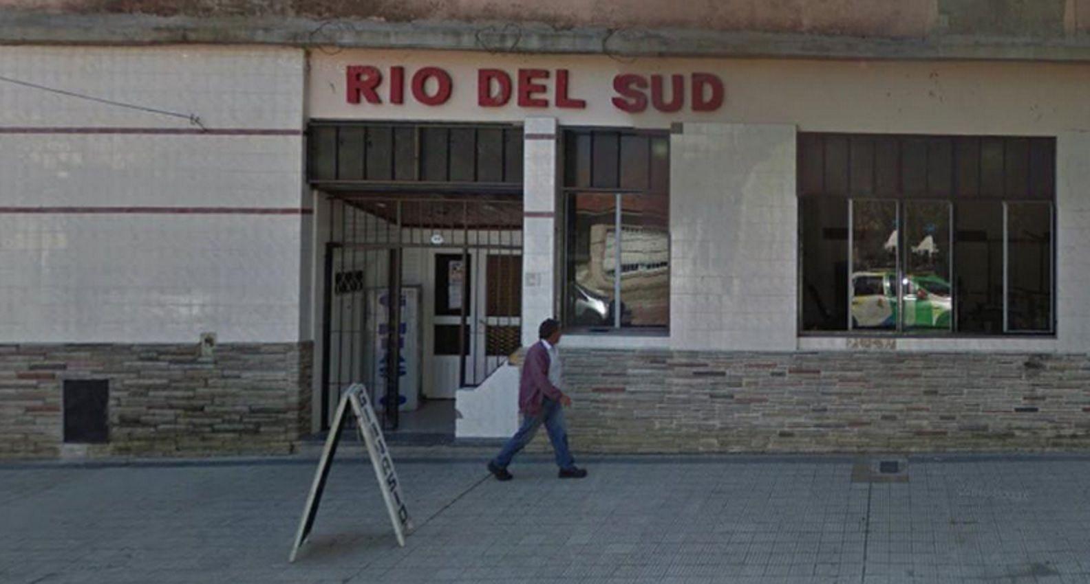 Un nene murió después del derrumbe de la pared de un club en Lomas de Zamora