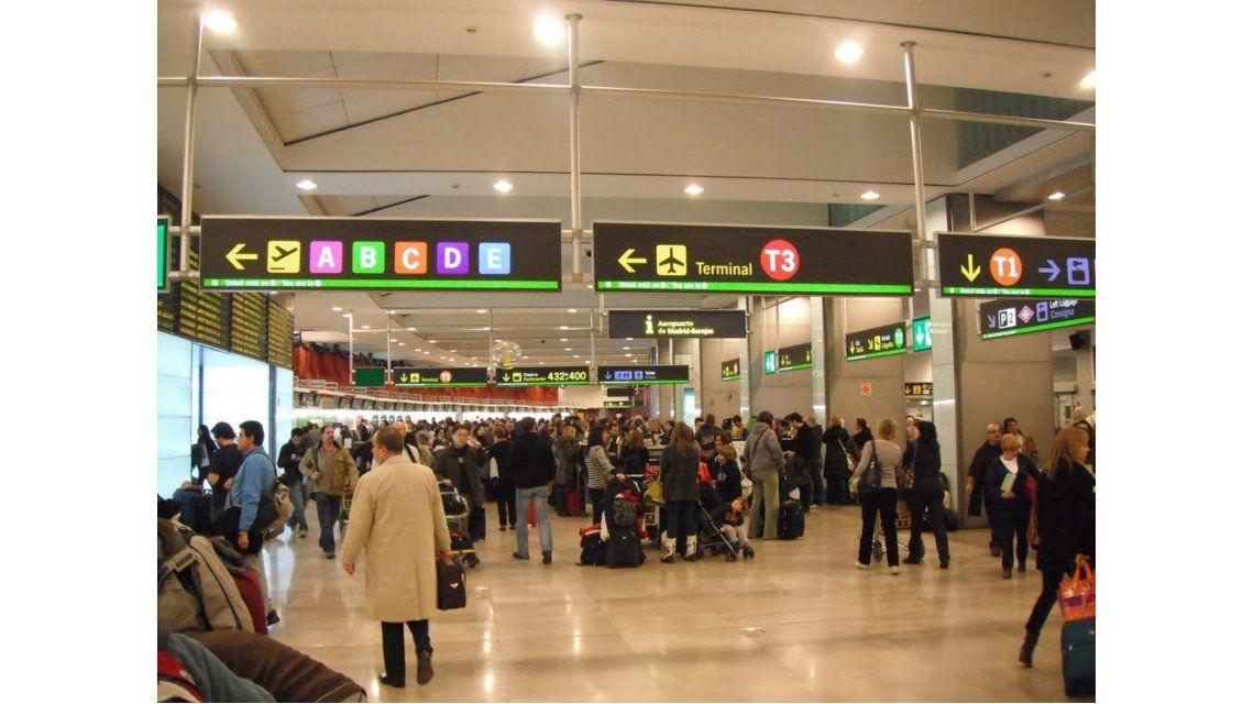 Ya no se podrá fumar en espacios semicubiertos de aeropuertos