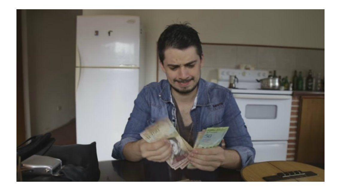 Un periodista mostró cómo se come con el sueldo básico en Venezuela