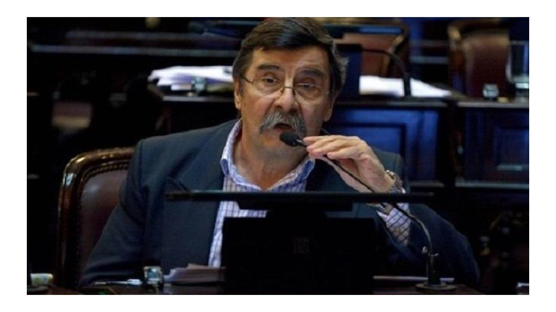 Senador de Cambiemos le sugirió a Macri que oxigene el Ministerio de Energía