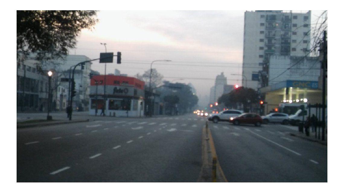 Misterio por una densa humareda y fuerte olor a quemado en la Ciudad
