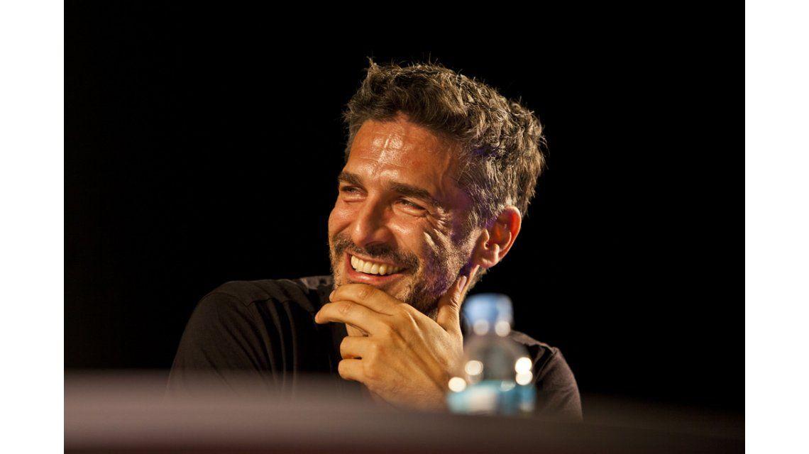 El método con humor de Leo Sbaraglia para grabar las escenas hot con Eva De Dominici