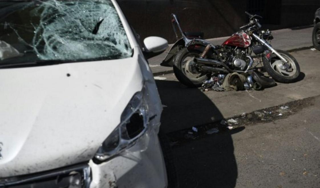 Un ex jugador de Colón esquivó un control de alcoholemia y mató a un motociclista