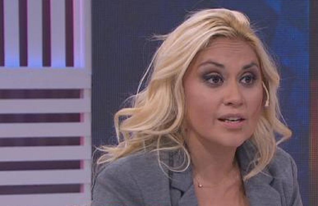 Verónica Ojeda, contra con una panelista cercana a Rocío Oliva: Callate, ¡idiota!