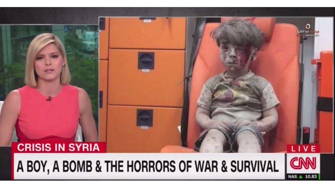 VIDEO: Mirá a la periodista que no puede contener las lágrimas ante la foto de Omrán