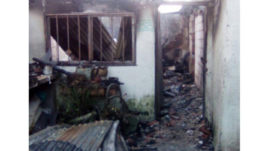 Tragedia en La Plata: una familia entera murió al incendiarse su casa