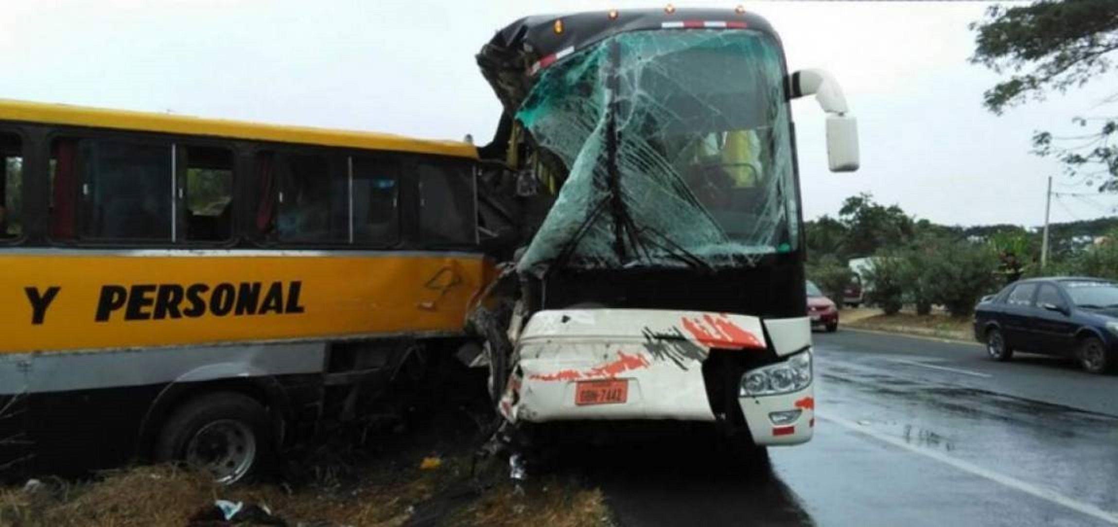 Una turista argentina murió en un accidente de tránsito en Ecuador