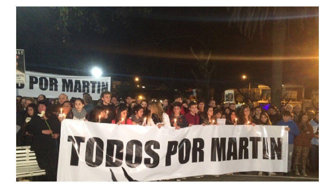 Marcha del silencio en Escobar por el chico asesinado en una entradera