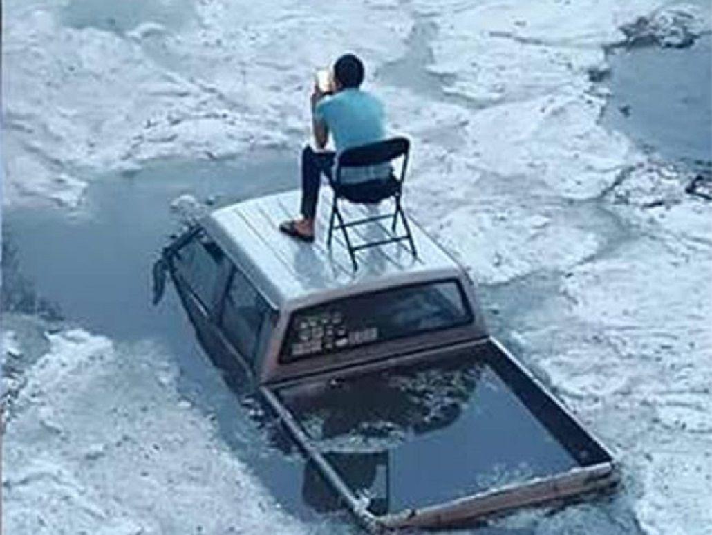 Mirá lo que hizo este hombre cuando quedó atrapado en un temporal de nieve