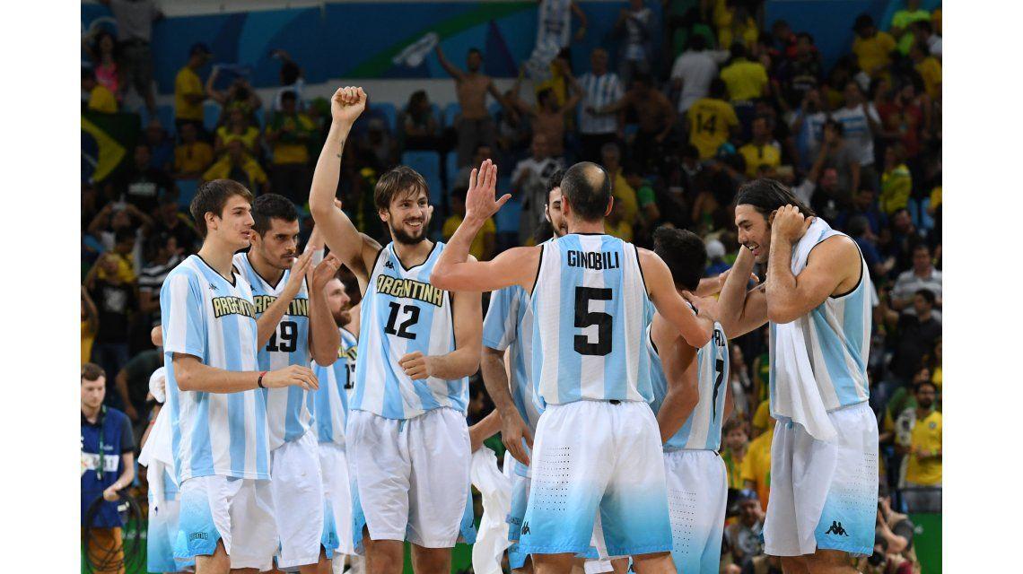 Las imágenes de la emocionante victoria del básquet ante Brasil
