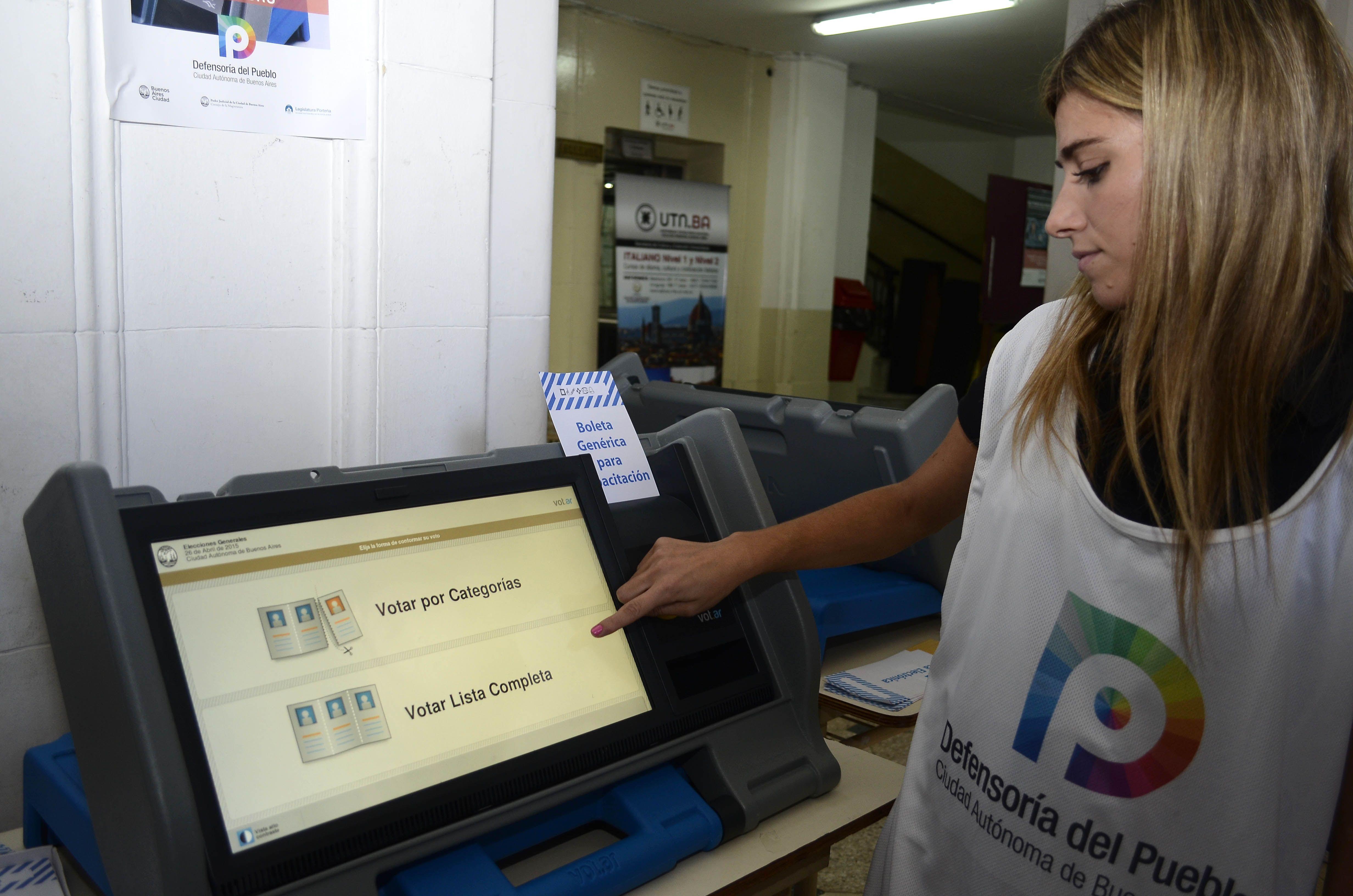 Finalmente, el voto electrónico se aplicará por etapas gradualmente