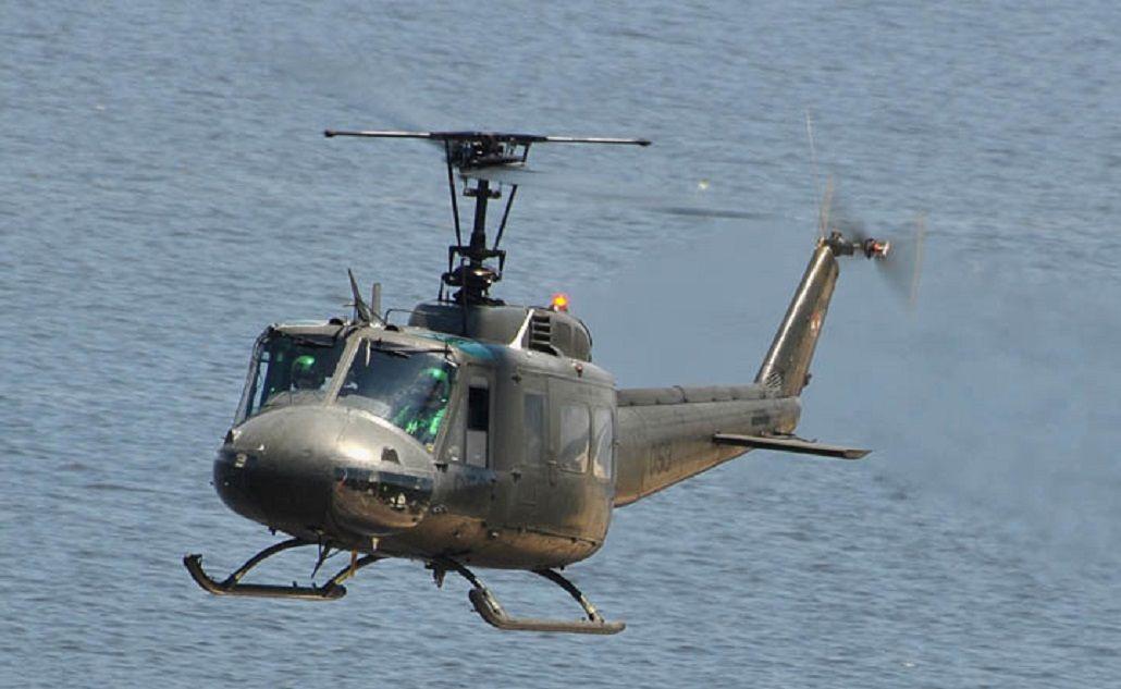 Se cayó un helicóptero de la Fuerza Aérea Uruguaya en Montevideo