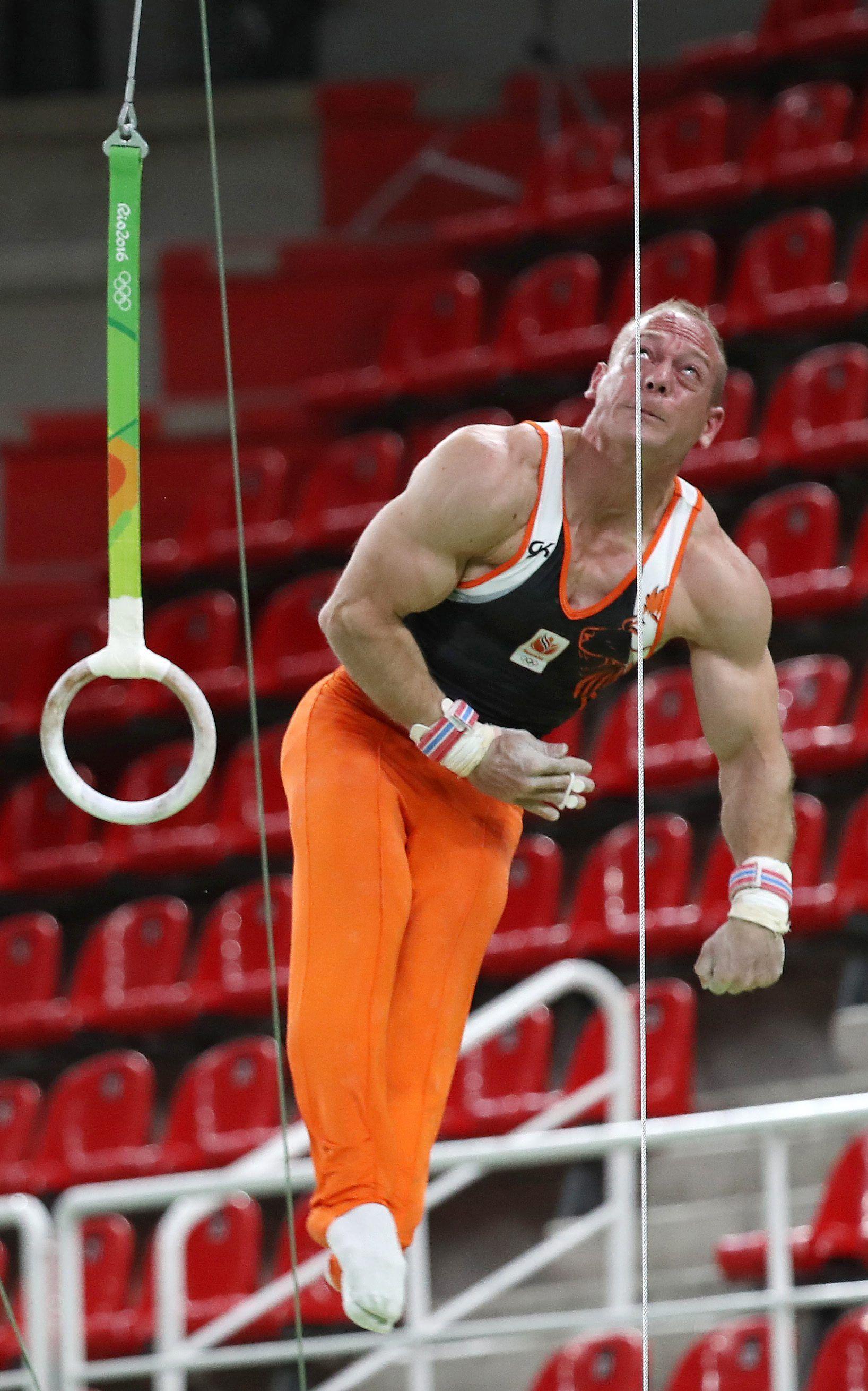 Un gimnasta holandés fue echado de los Juegos por irse de fiesta