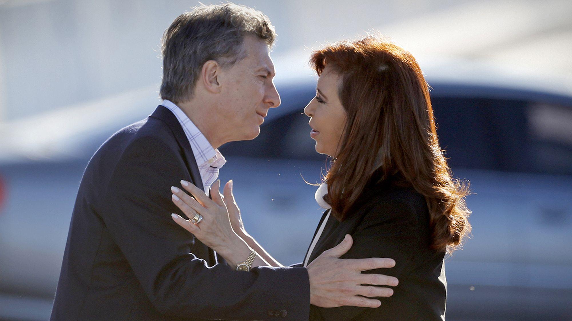 <p>Mauricio Macri y Cristina Kirchner</p>