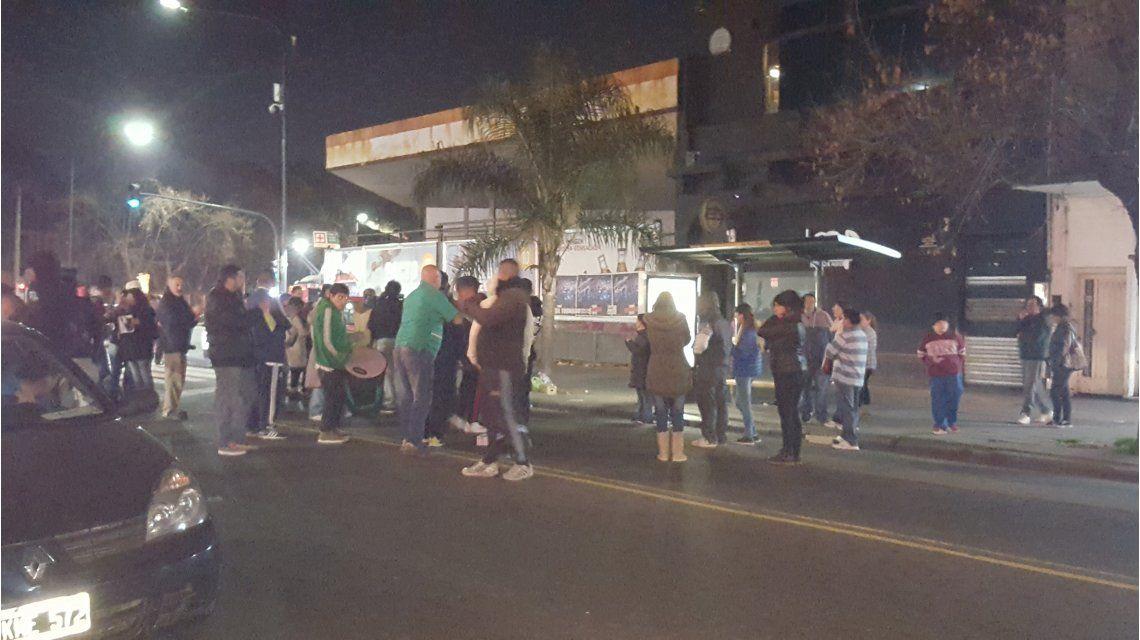 Familiares y amigos de Rocío Artigas atacaron el boliche donde estuvo la noche antes de morir