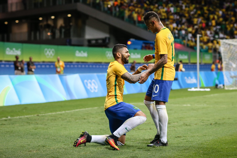 Brasil clasificó en fútbol y ahora enfrentará a la Colombia de Teo Gutiérrez
