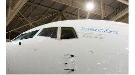 Amazon presenta el primer avión de su flota Prime Air