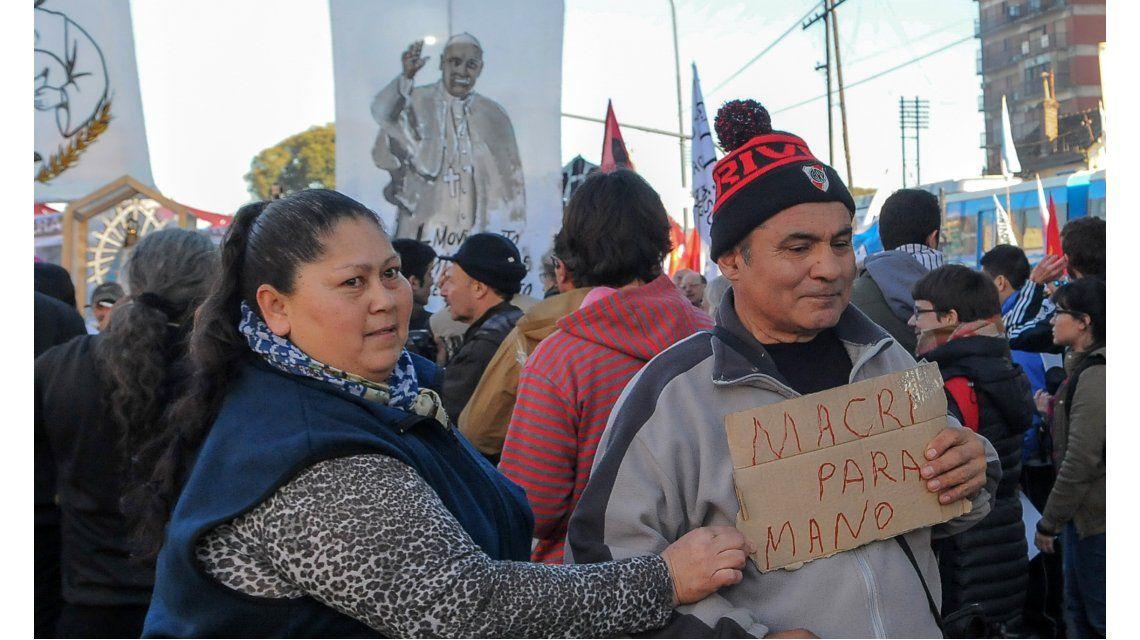 Masiva movilización de fieles a San Cayetano
