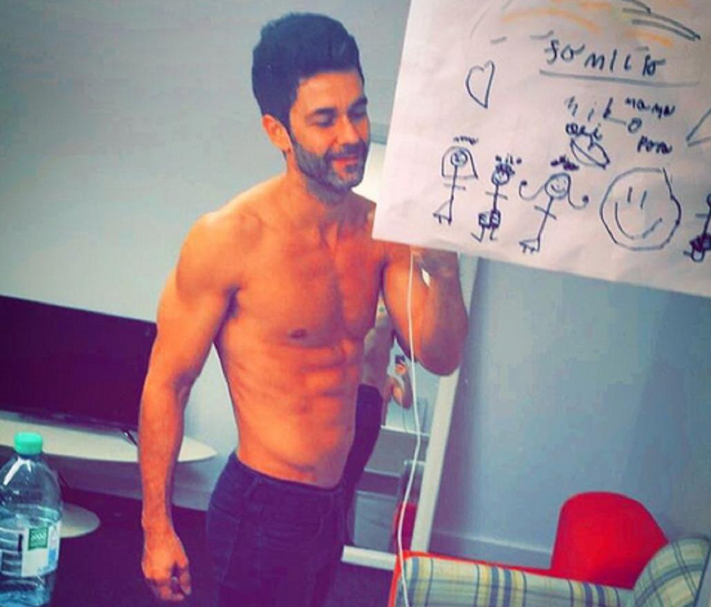Mariano Martínez sigue provocando con fotos sexies y asegura: No me niego a la pasión