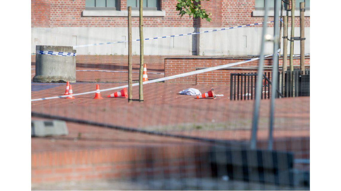 Isis reivindicó el ataque de un hombre con un machete contra 2 policías en Bélgica