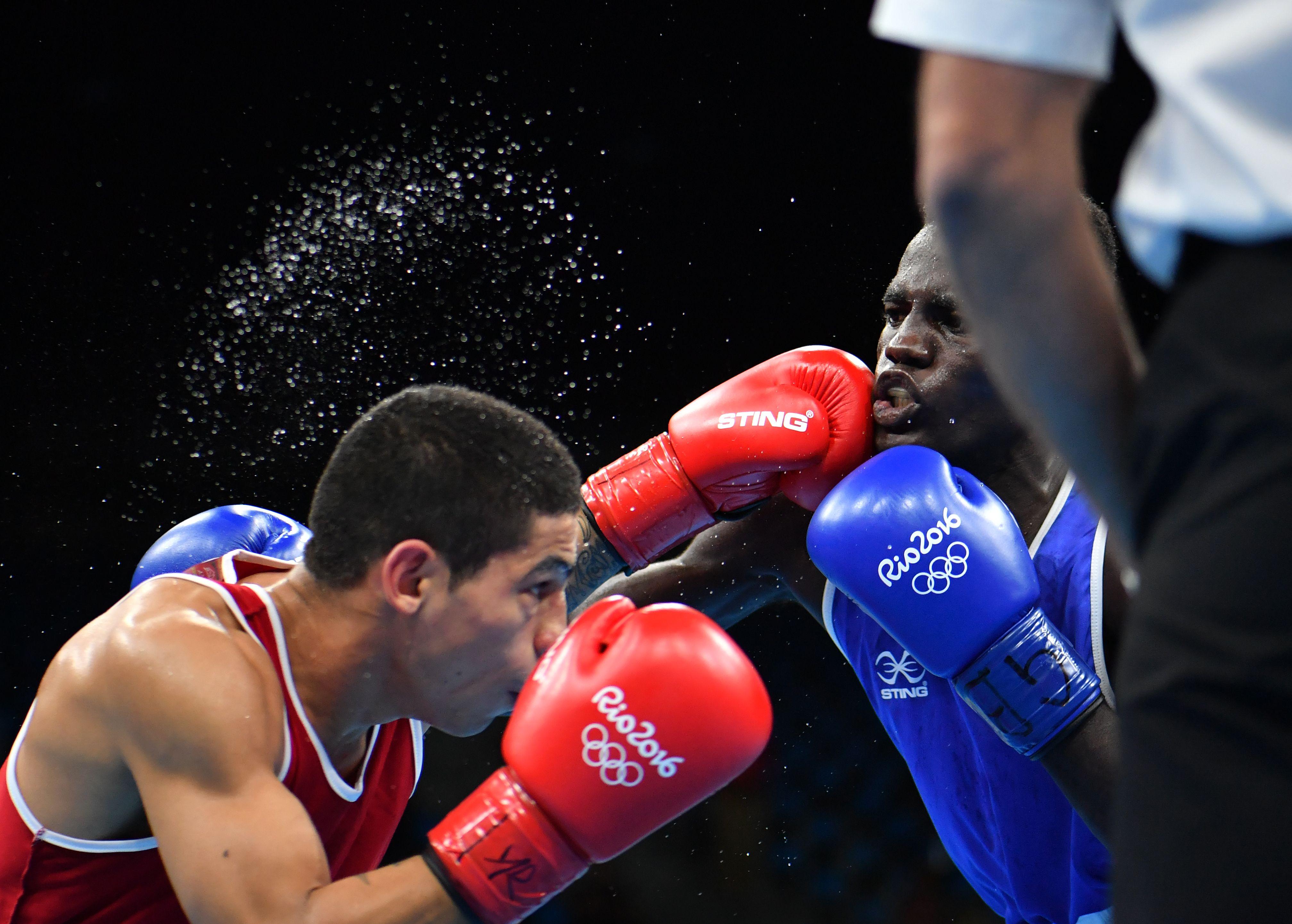 El boxeador Alberto Melián venció a Abdul Omar y se metió en octavos