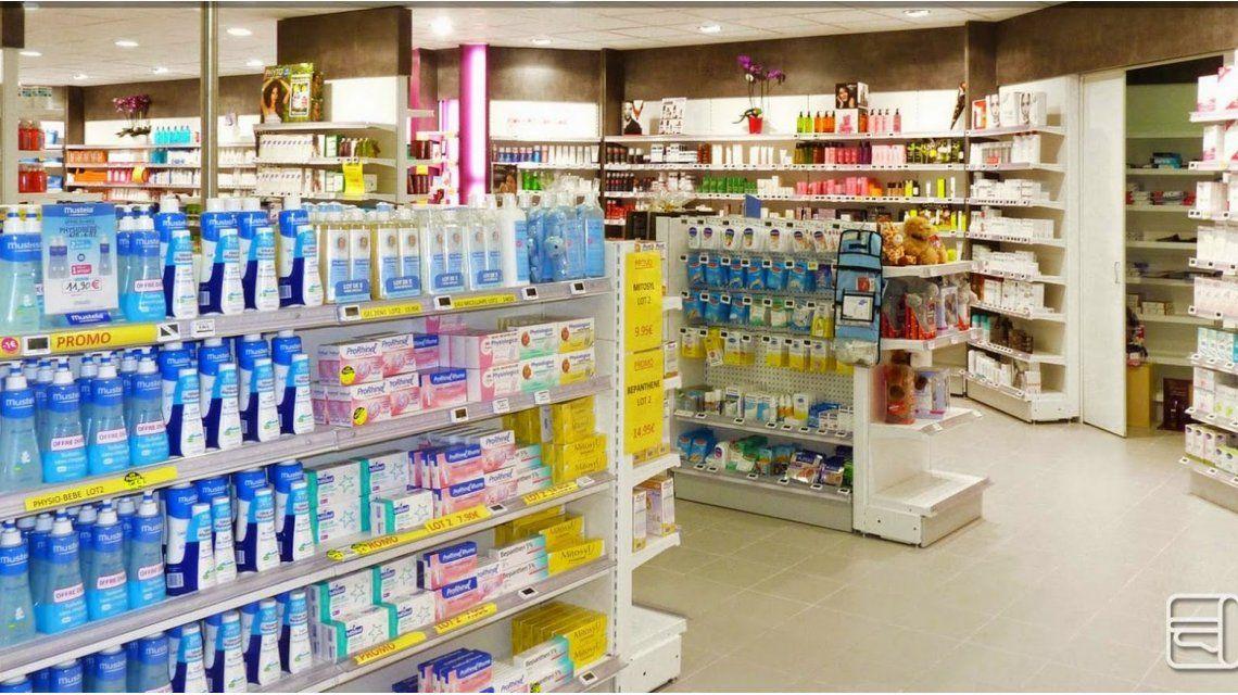 Una mujer se comió una bolsa al ser detenida en una farmacia