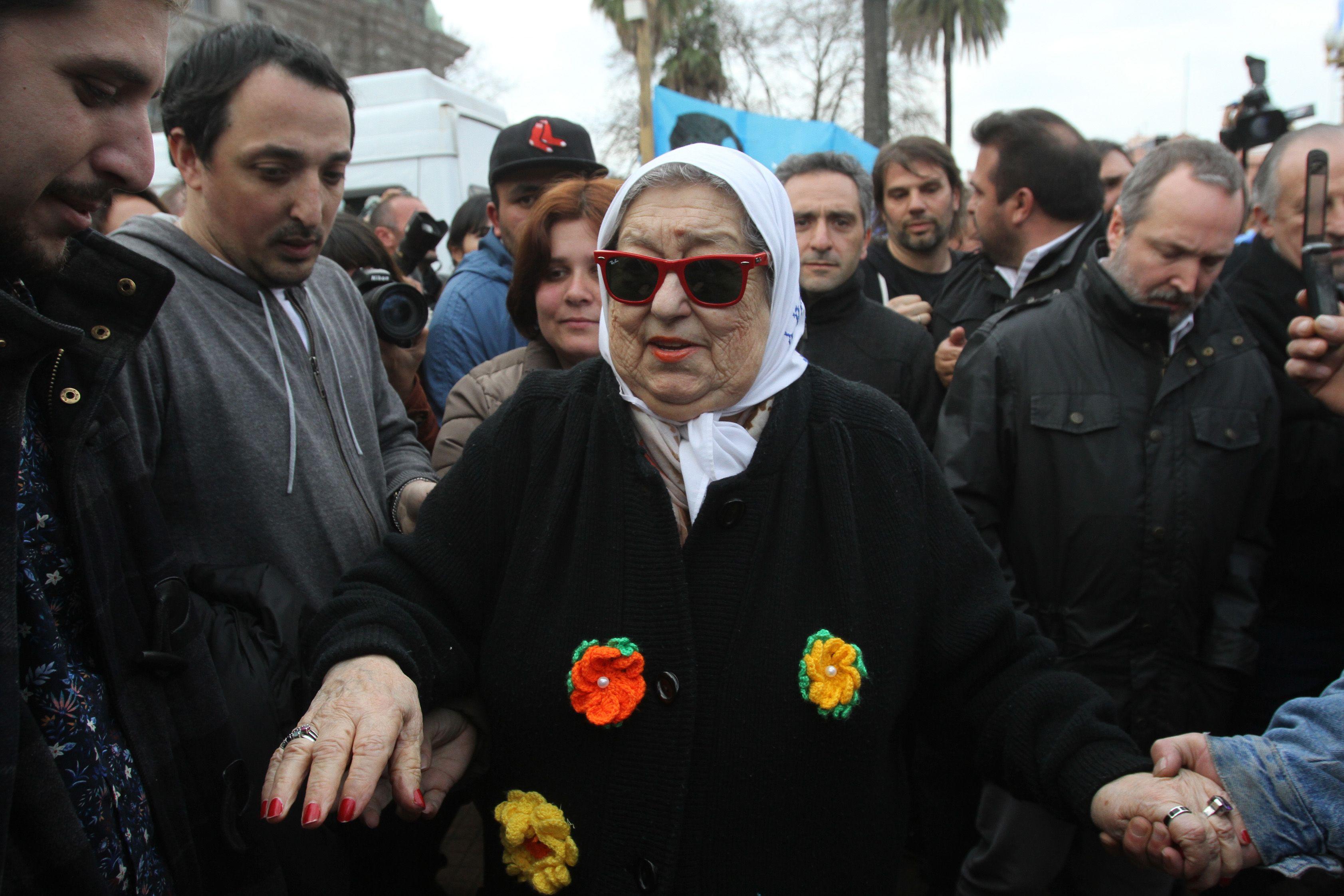 Hebe de Bonafini pidió la exención de prisión y dijo que declarará el lunes