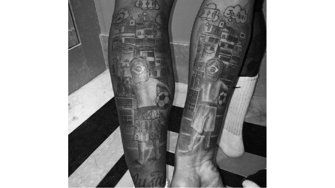 Un compañero de Neymar en la Selección de Brasil le copió el tatuaje