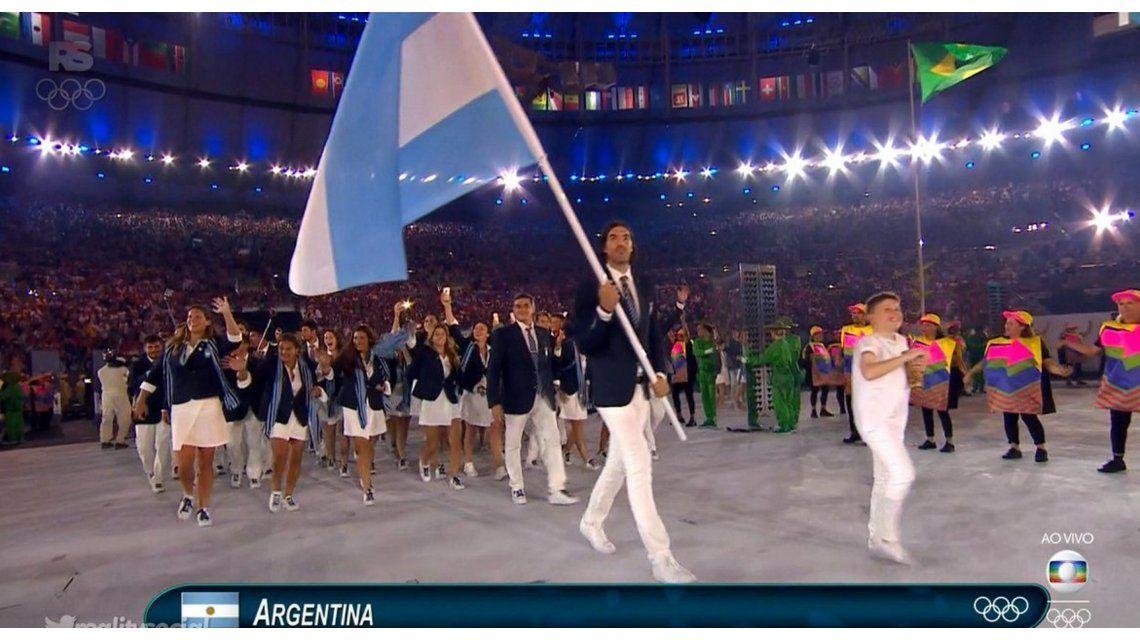 Reviví la entrada de los atletas argentinos, encabezados por Luis Scola, a la inauguración de Río 2016