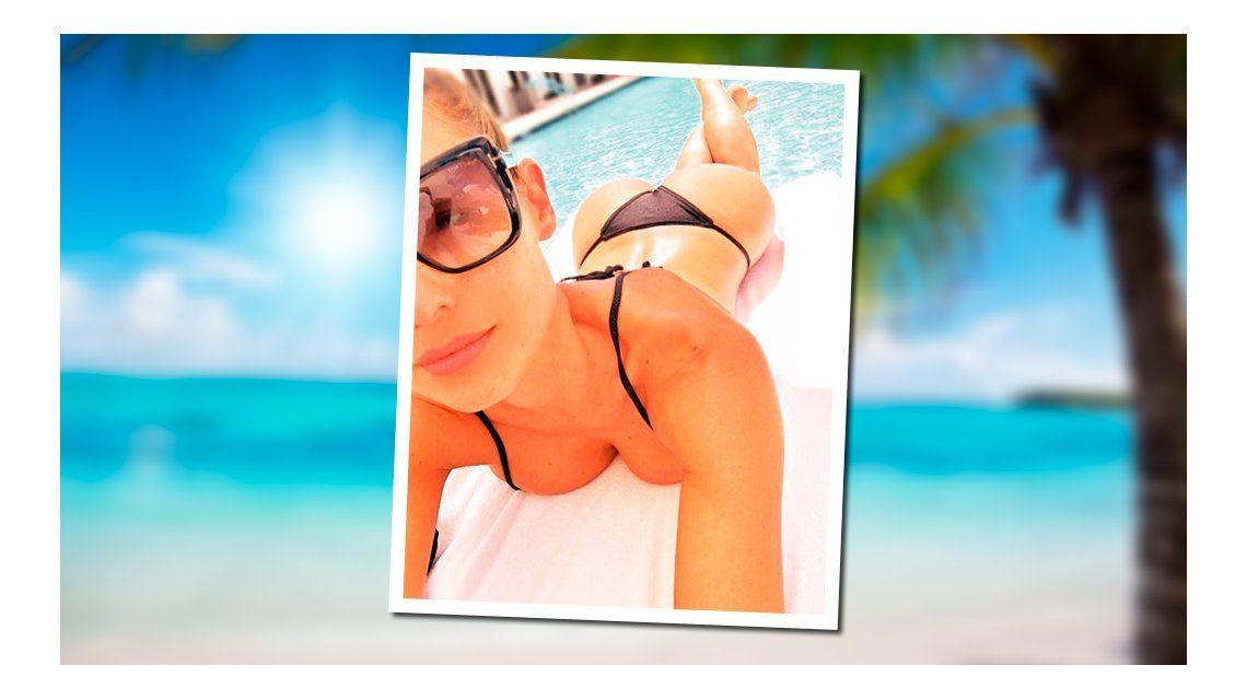 Pampita sigue provocando desde Miami con fotos hot