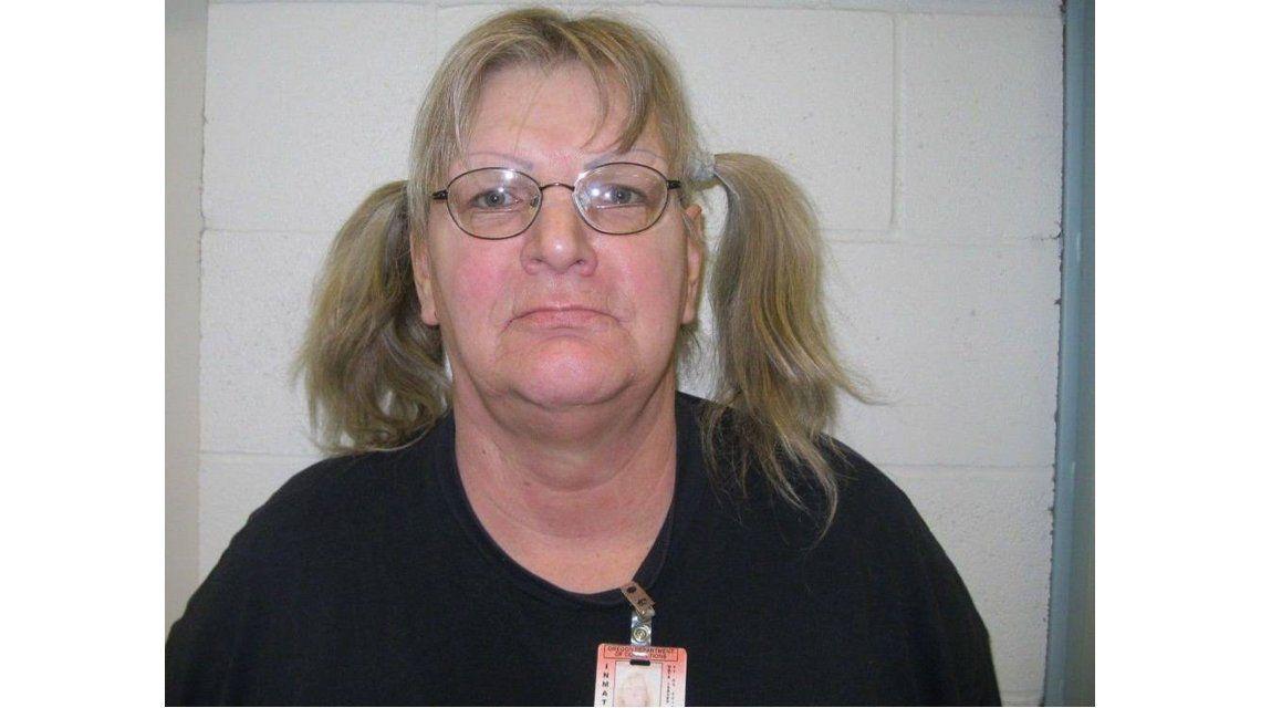 Insólito: una mujer robó un banco para volver a prisión