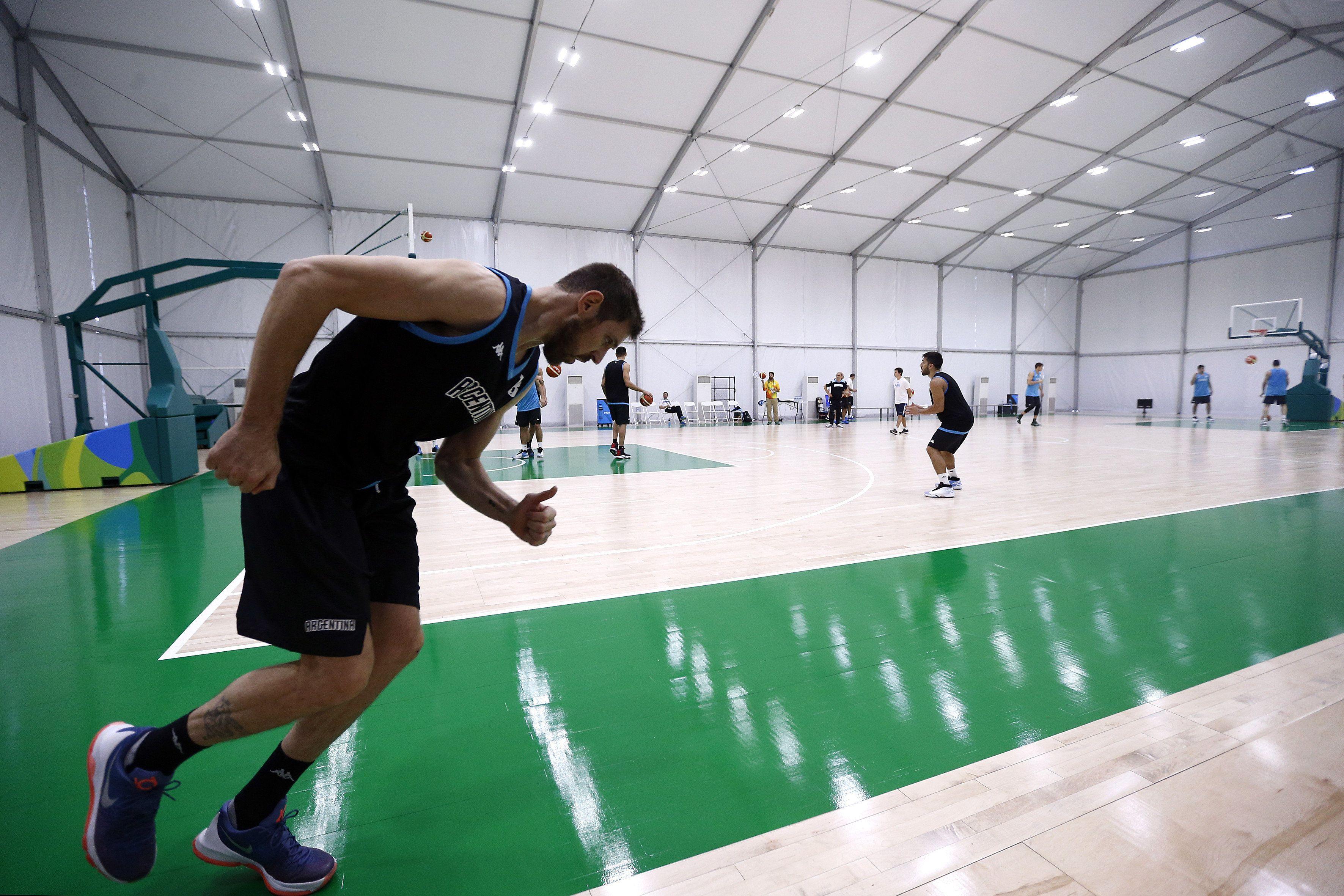 La Generación Dorada de básquet argentino se prepara para su debut en Río 2016