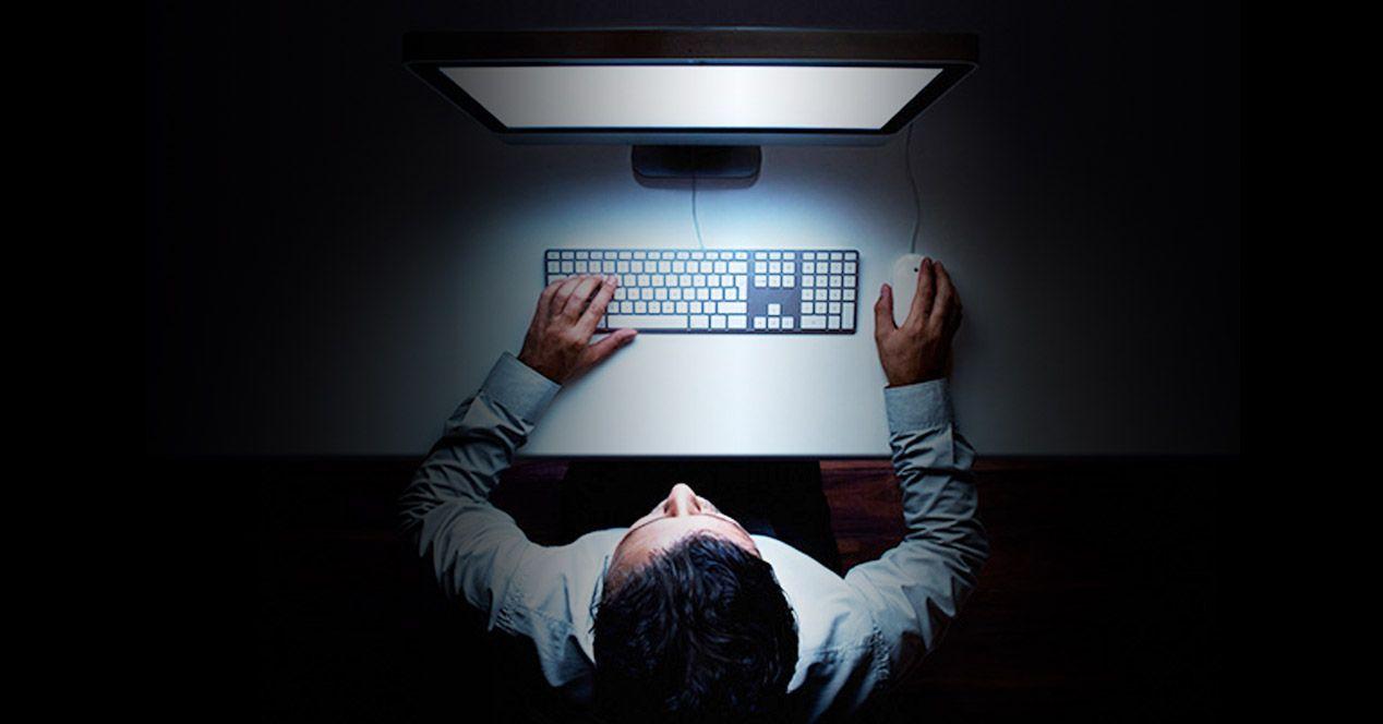 Drogas y el acceso a páginas prohibidas por el Estado: ¿qué es y para qué sirve la dark web?