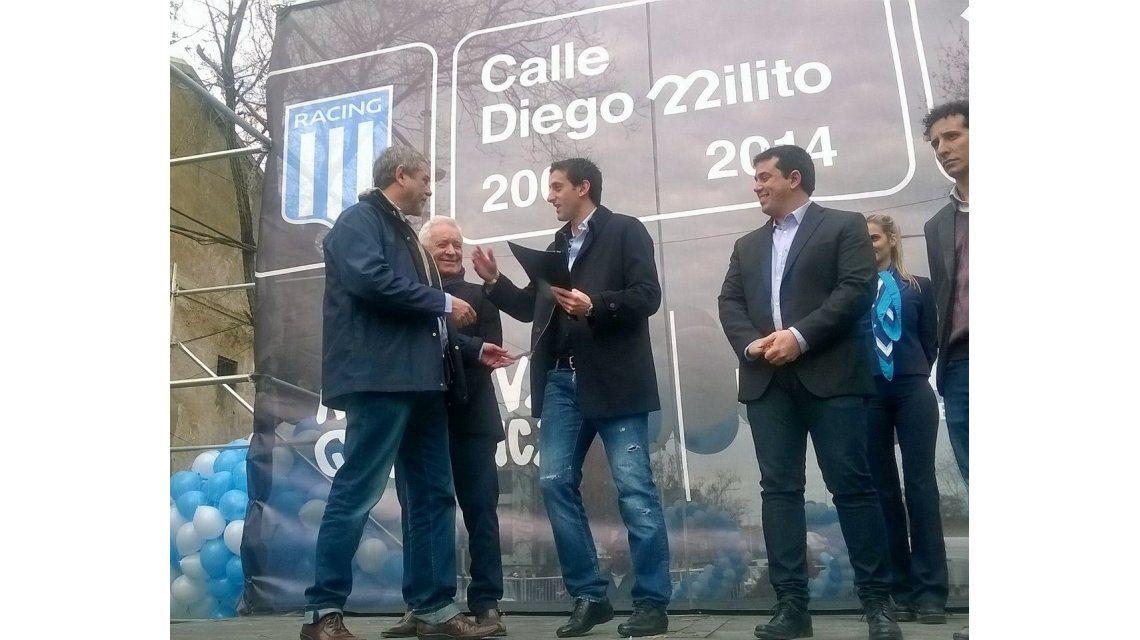 Diego Milito, el ídolo de Racing que desde hoy tiene una calle con su nombre
