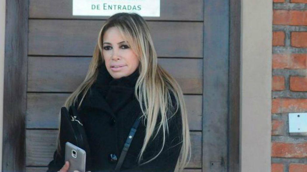 El mal momento de Fernanda Herrera, la abogada hot: murió su padre
