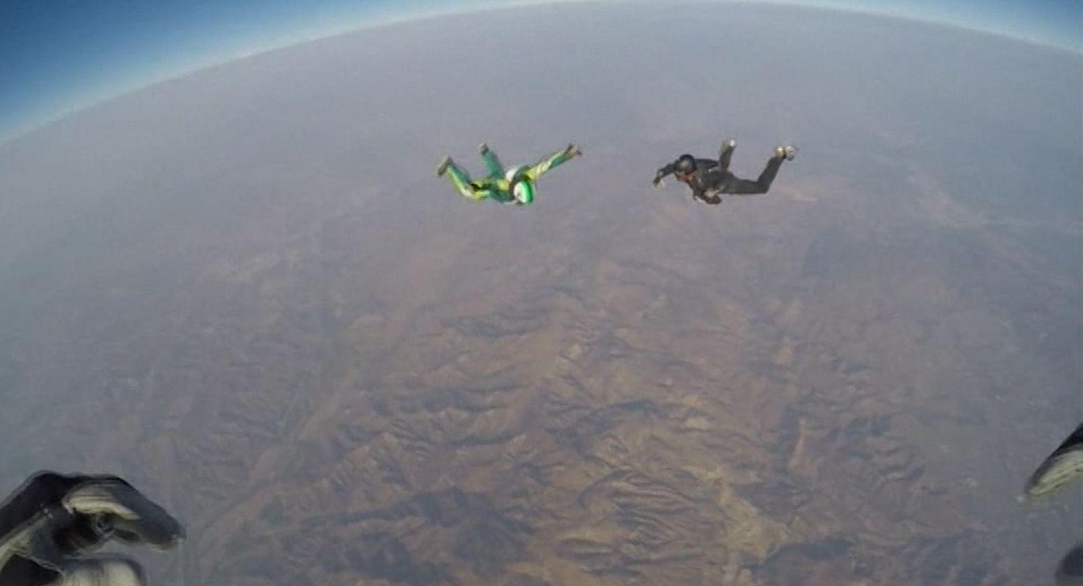 Un hombre se tiró desde más de 7 mil metros de altura sin paracaídas
