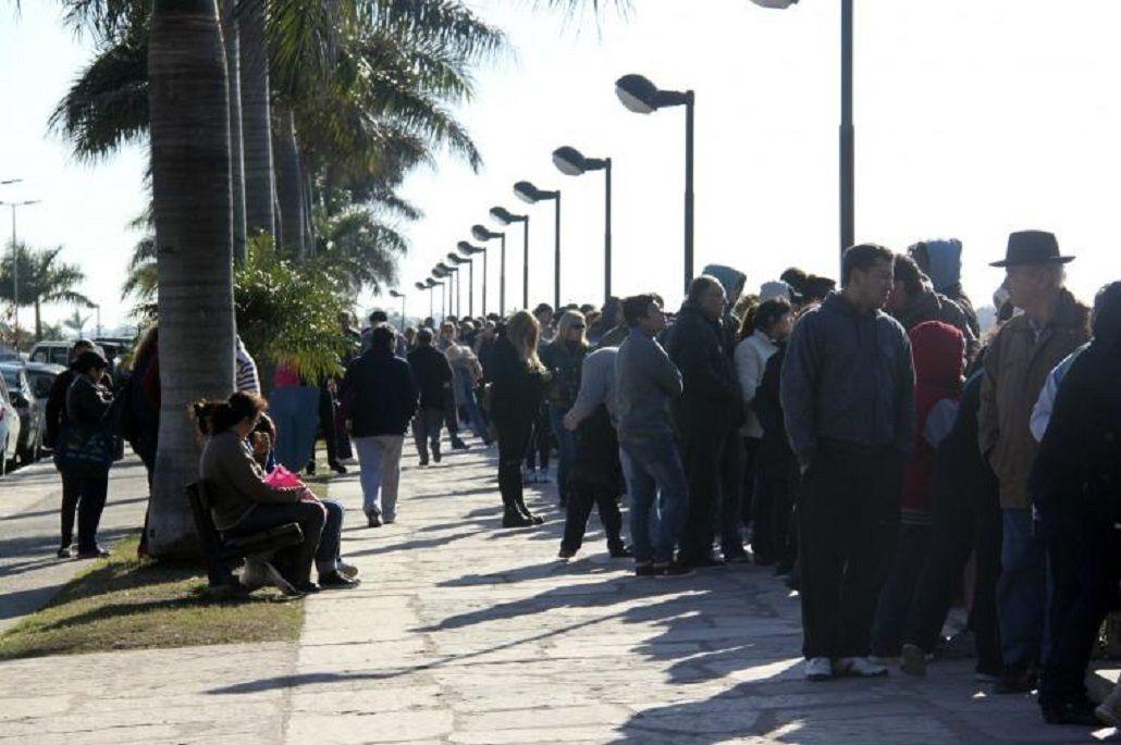 Creció 14 por ciento la cantidad de argentinos que cruzan a Paraguay en busca de precios