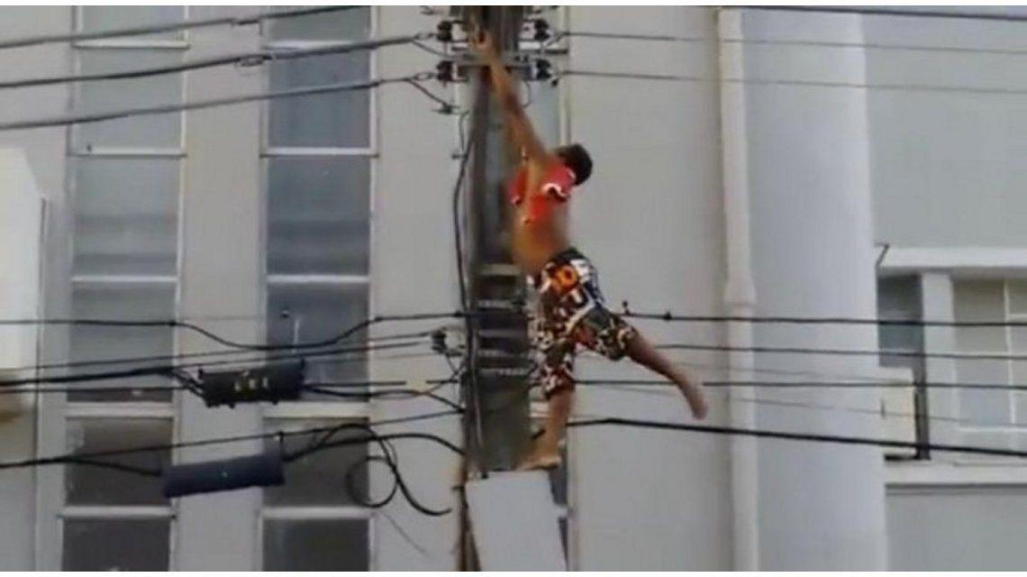 Impactante: un joven murió electrocutado en un acto de Dilma Rousseff