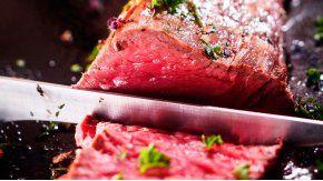 ¿Cómo hacer una carne al horno sin usar casi el horno?