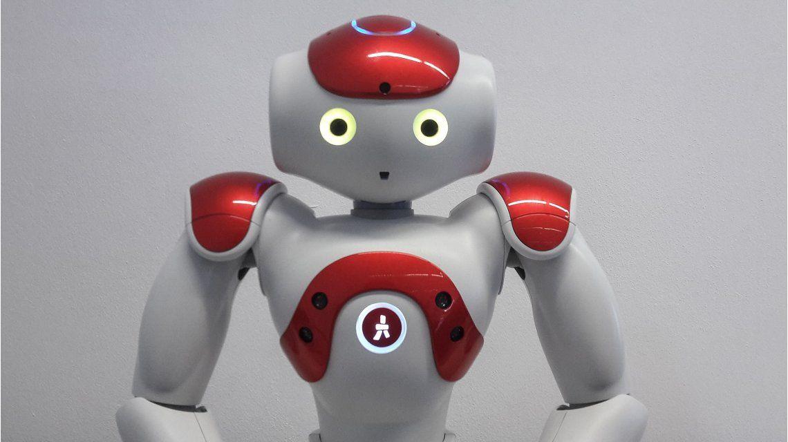 Presentaron a Gardelito, un robot con inteligencia cognitiva